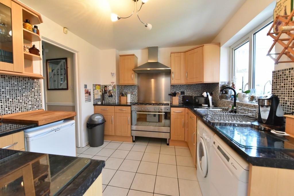 3 Bedrooms Terraced House for sale in Ledburn, Ashurst