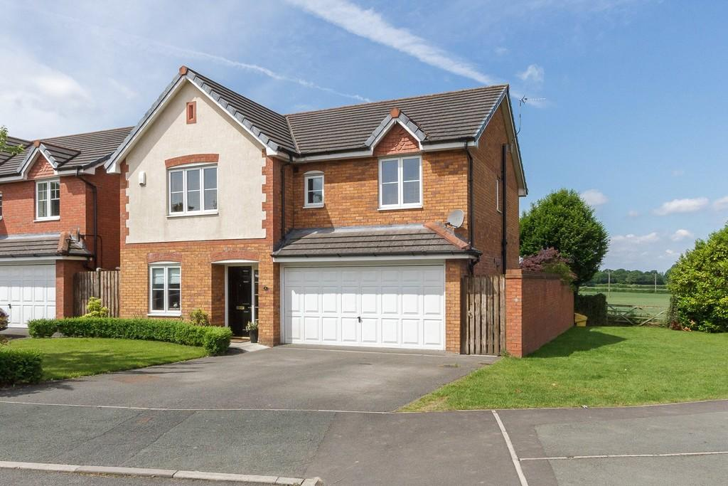 5 Bedrooms Detached House for sale in 6 Eaton Place, Hartford, CW8 2PW