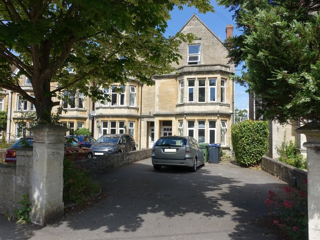 10 Bedrooms Semi Detached House for sale in Trowbridge, Wiltshire