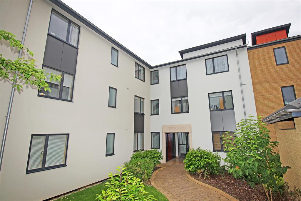 2 Bedrooms Ground Flat for sale in Drakes Drive, Stevenage, SG2 0EY
