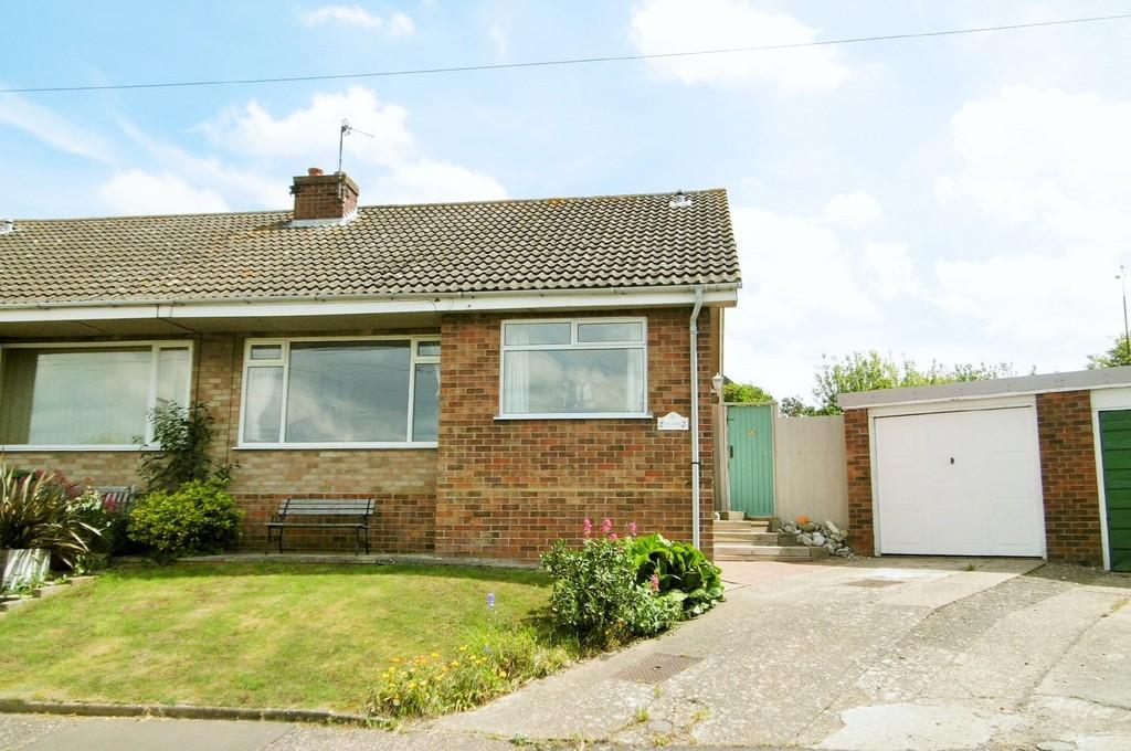 2 Bedrooms Semi Detached Bungalow for sale in Weybourne