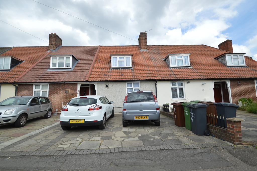 2 Bedrooms Terraced House for sale in Neville Road, Dagenham