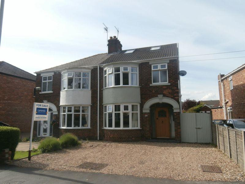 4 Bedrooms Semi Detached House for sale in Northgate, Cottingham