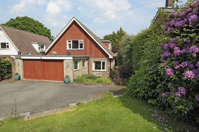 4 Bedrooms Bungalow for sale in Green Lane, Crowborough, East Sussex