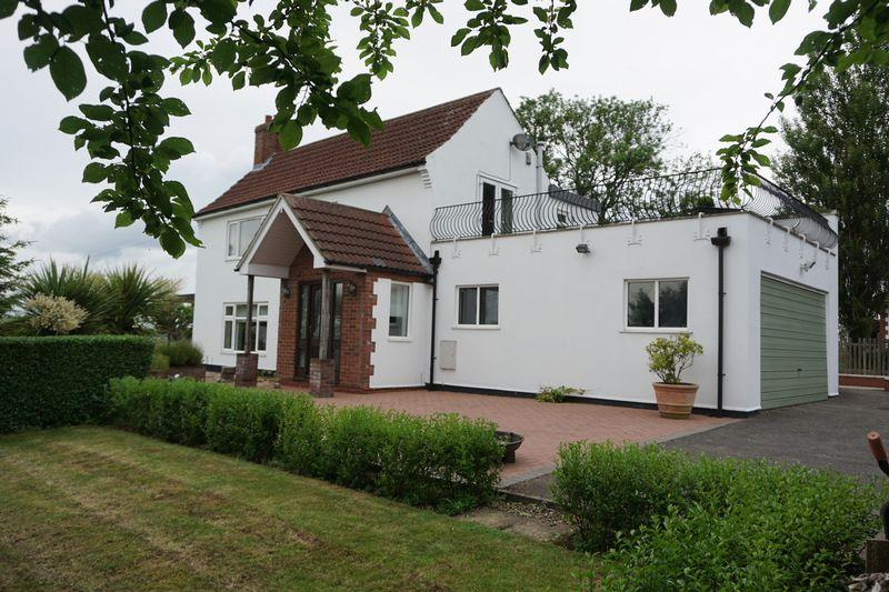 4 Bedrooms Detached House for sale in Stow Park Road, MARTON