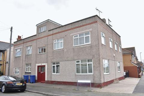 2 bedroom apartment to rent - Flat 4 Marlborough Grove, Rhyl
