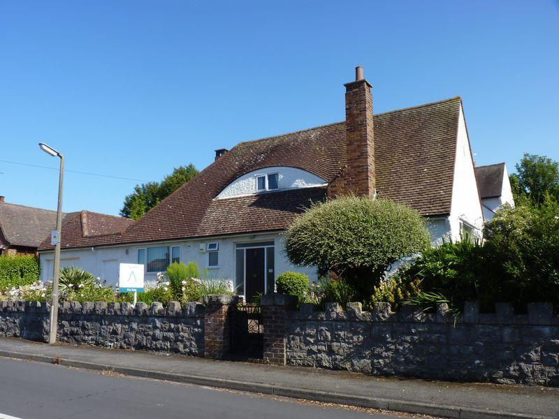2 Bedrooms Detached Bungalow for sale in 2 Wynn Drive, Colwyn Bay LL29 9DE