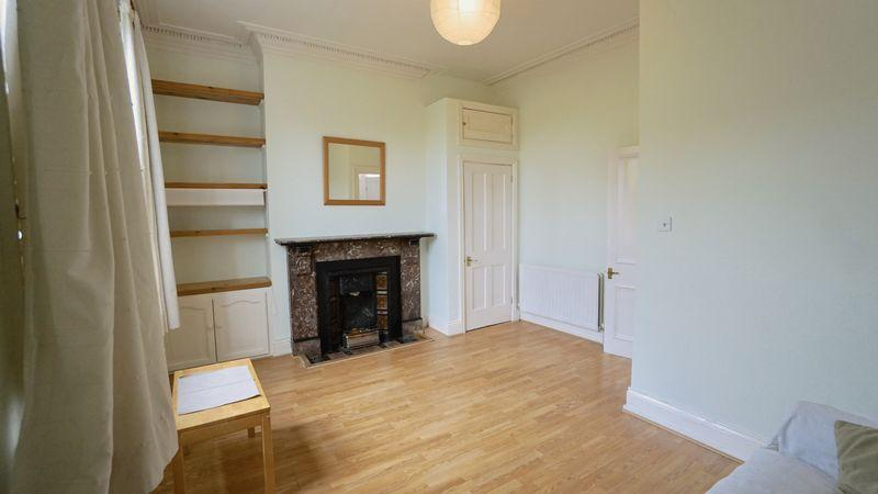 2 Bedrooms Maisonette Flat for sale in SEVENTH AVENUE Heaton