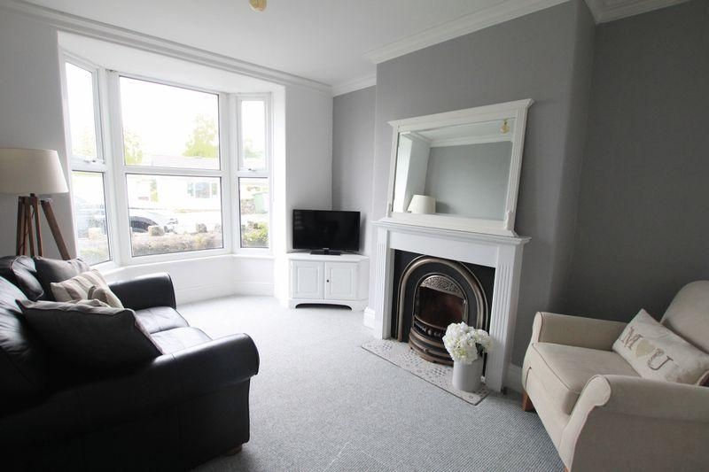 2 Bedrooms Terraced House for sale in Llanfairpwllgwyngyll, Anglesey