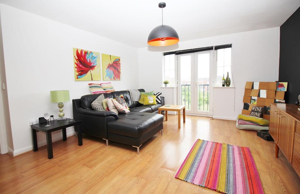 2 Bedrooms Flat for sale in Cunningham Avenue, Hatfield, AL10