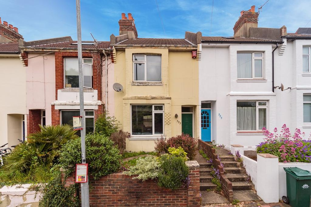 2 Bedrooms Terraced House for sale in Bear Road, Brighton, BN2