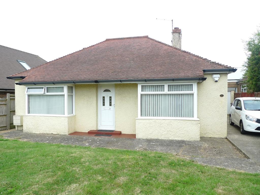 2 Bedrooms Detached Bungalow for sale in Eastbourne Road, Willingdon, Eastbourne, BN20