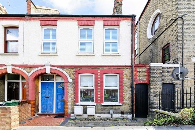 1 Bedroom Flat for sale in Bloxhall Road, Leyton