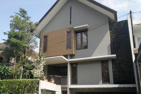 4 bedroom house  - / Rumah Di Jual Villa Gading Indah