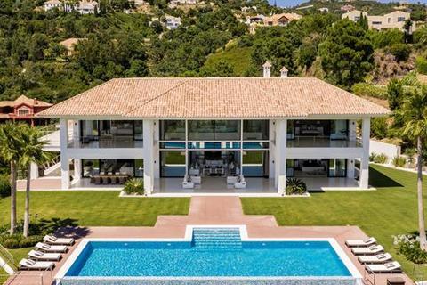 8 bedroom villa - La Zagaleta, Benahavis, Malaga
