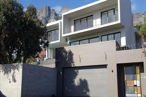 4 bedroom house  - Bakoven, Cape Town