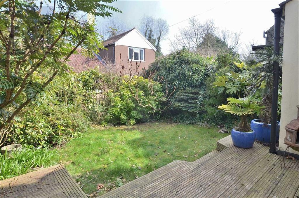 Forest Road Loughton Essex 3 Bed Detached House To Rent
