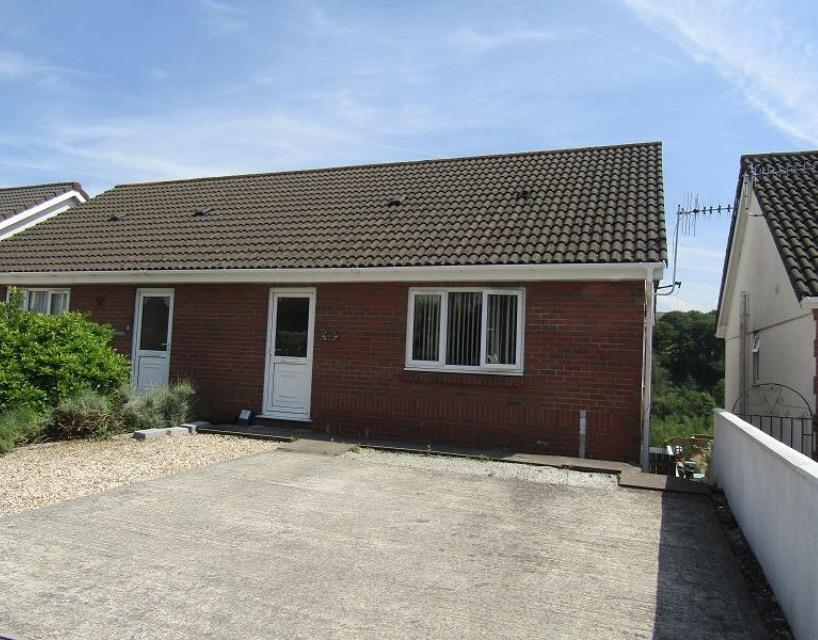 3 Bedrooms Semi Detached House for sale in Clydach Road, Craig-Cefn-Parc, Swansea