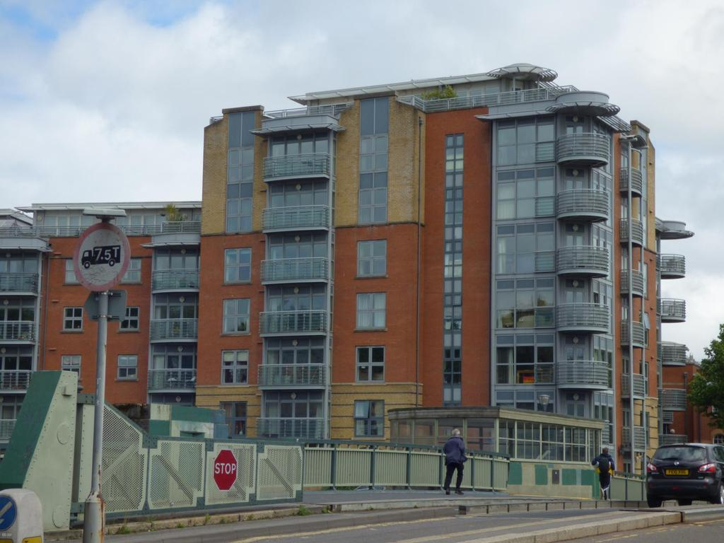 2 Bedrooms Flat for rent in The Custom House, City Centre