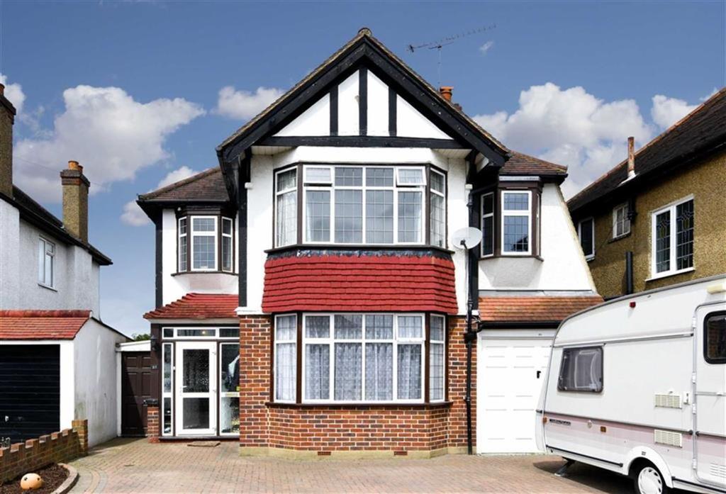 4 Bedrooms Detached House for sale in Bradstock Road, Stoneleigh, Surrey