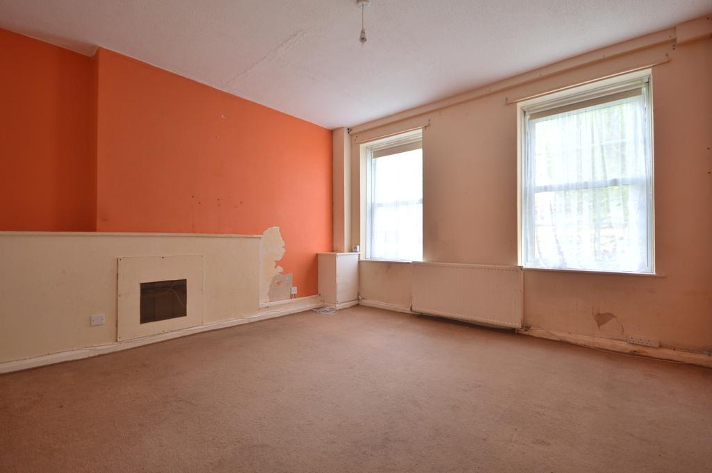 2 Bedrooms Flat for sale in Dunfield Road London SE6