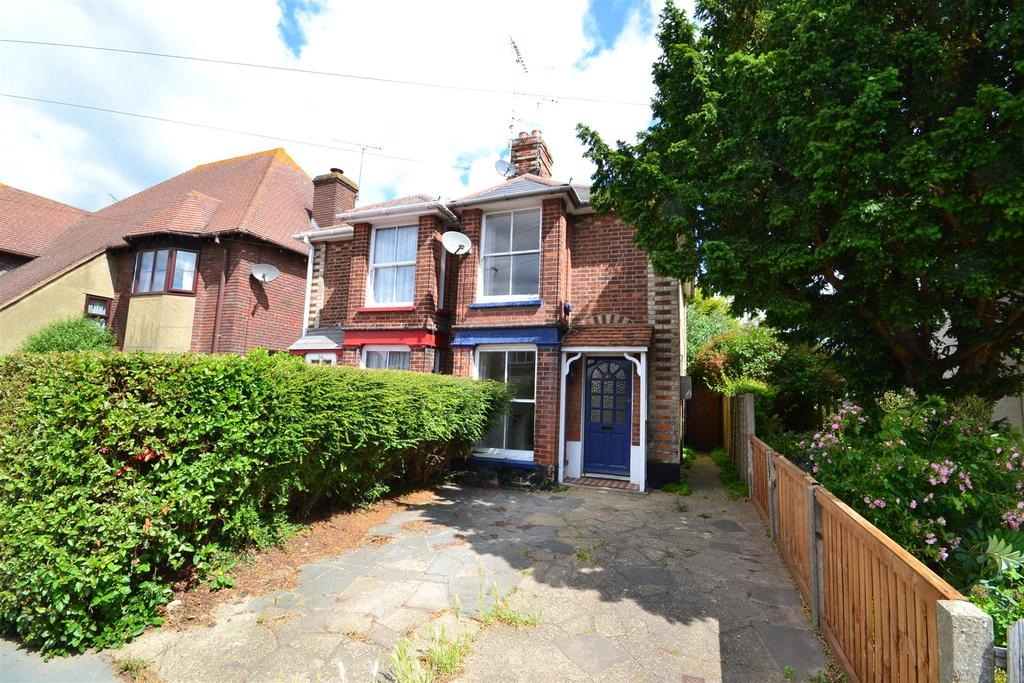 3 Bedrooms Semi Detached House for sale in Western Road, Burnham-on-Crouch