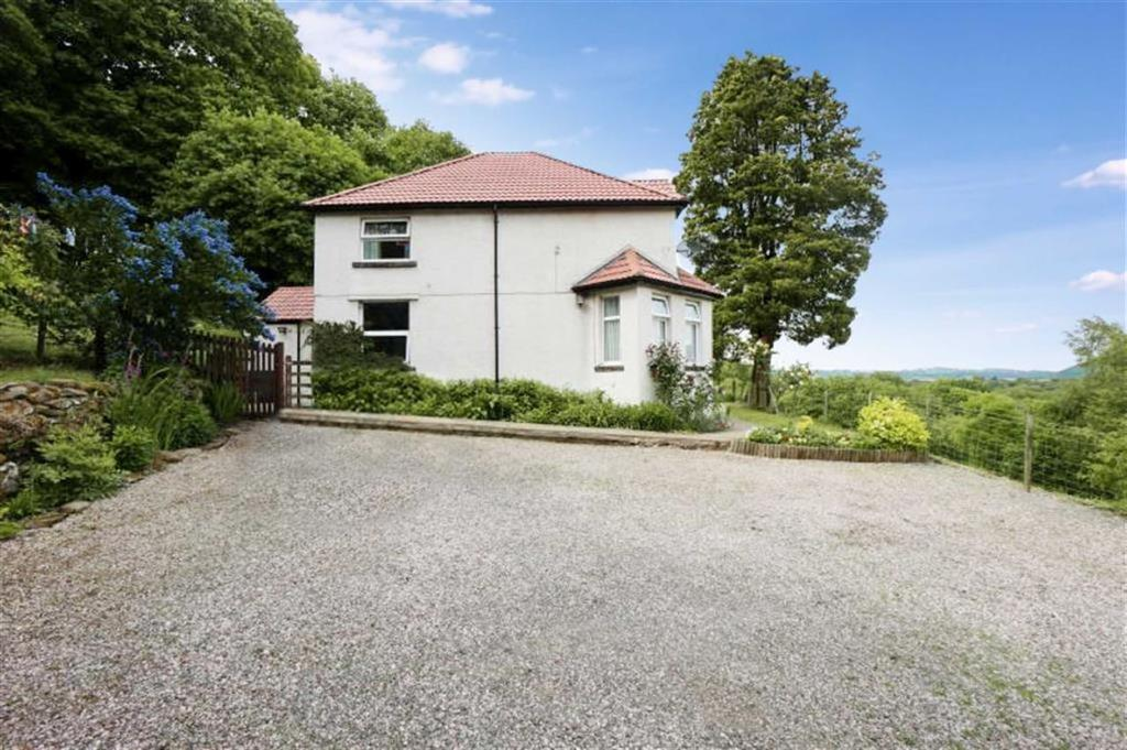 3 Bedrooms Detached House for sale in Conwy Road, Dolgarrog, Conwy
