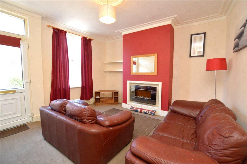 2 Bedrooms Terraced House for sale in Warrels Avenue, Leeds, West Yorkshire