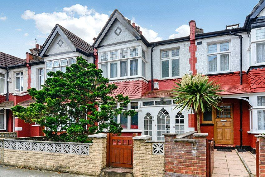 3 Bedrooms Terraced House for sale in Biddestone Road, Holloway, London, N7