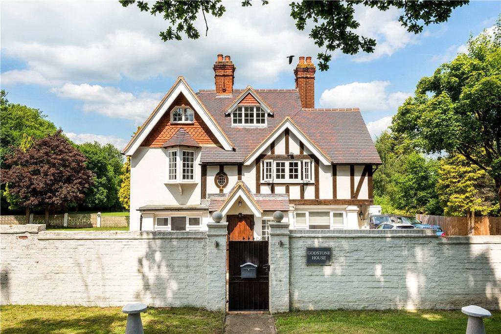 6 Bedrooms Detached House for sale in Cobham Road, Fetcham, Surrey, KT22
