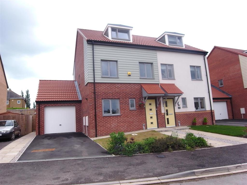 3 Bedrooms Semi Detached House for sale in Iris Grove, Darlington