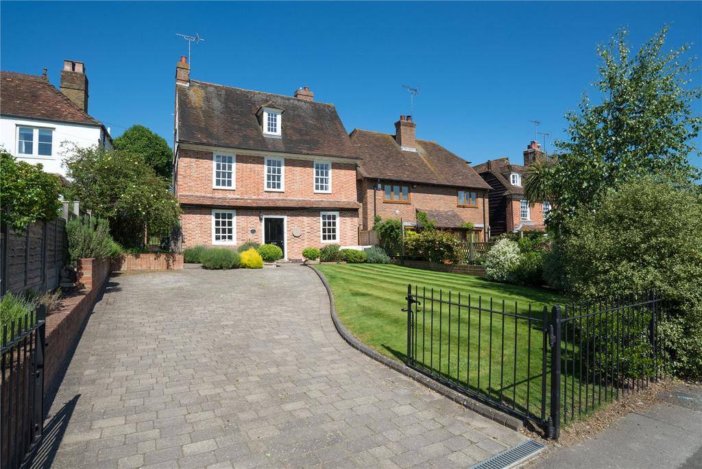 5 Bedrooms Detached House for sale in The Green, Bearsted, Maidstone, Kent