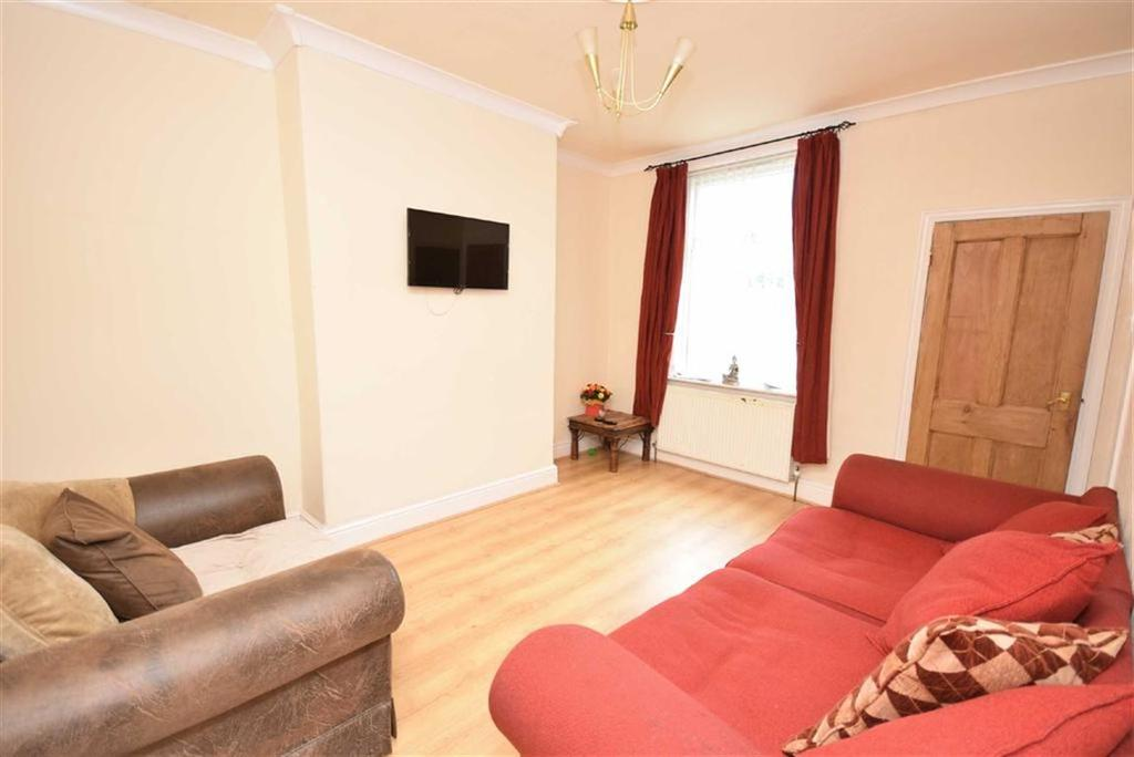 3 Bedrooms Terraced House for sale in New Market Street, Colne, Lancashire