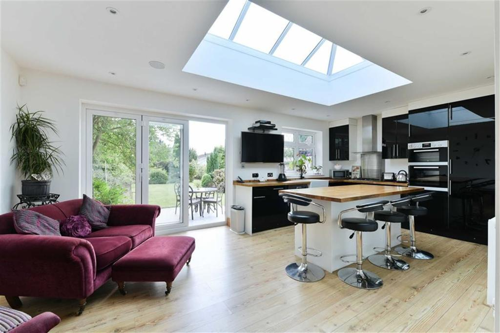 3 Bedrooms Detached House for sale in Picquets Way, Banstead, Surrey