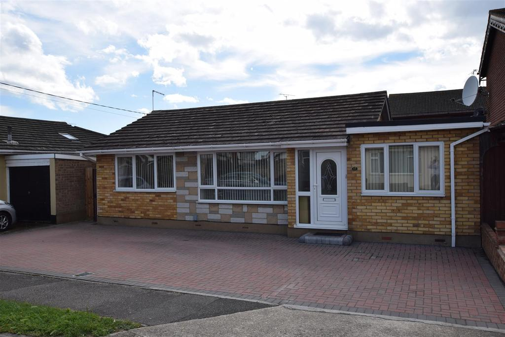2 Bedrooms Detached Bungalow for sale in Nevada Road, Canvey Island