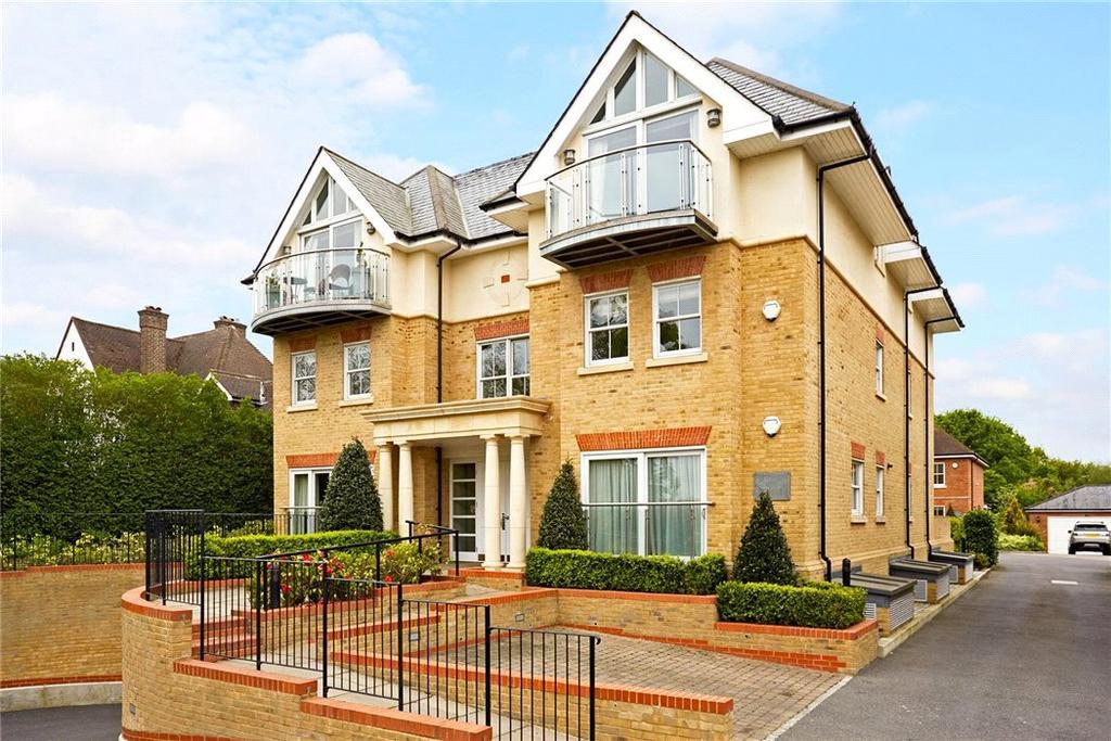 2 Bedrooms Flat for sale in Glenwood House, Wayneflete Place, Esher, Surrey, KT10