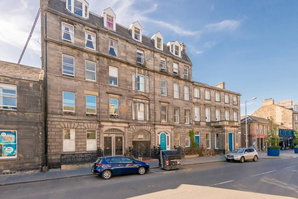 3 Bedrooms Flat for sale in 68 (4F2) Constitution Street, The Shore, EH6 6RR