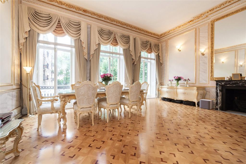 3 Bedrooms Flat for sale in Hyde Park Square, Hyde Park Estate, London