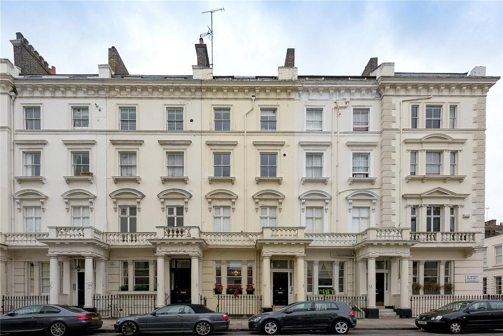 2 Bedrooms Flat for sale in St Georges Drive, London
