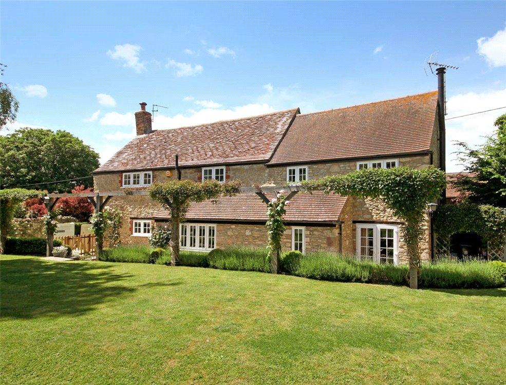 4 Bedrooms Detached House for sale in Church Hill, Little Milton, Oxford, OX44