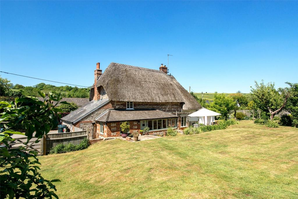 3 Bedrooms Detached House for sale in Winterborne Houghton, Blandford Forum, DT11