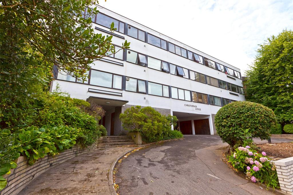 2 Bedrooms Flat for sale in Christopher Lodge, Avenue Road, London, N6