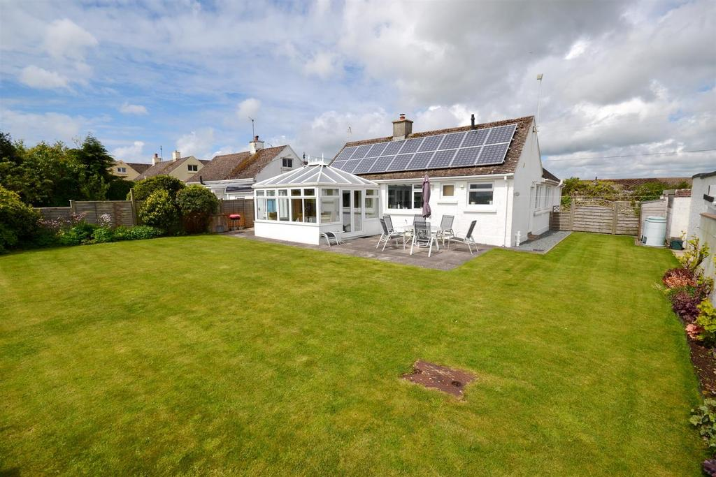 3 Bedrooms Detached Bungalow for sale in Fourwinds Lane, Penally, Tenby