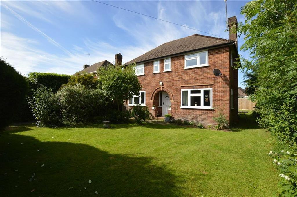 3 Bedrooms Detached House for rent in Woodcote Road, Caversham Heights, Reading