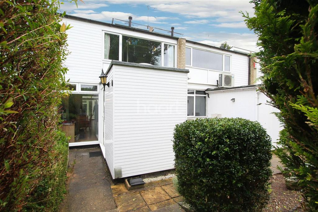 3 Bedrooms Terraced House for sale in Stoneycroft