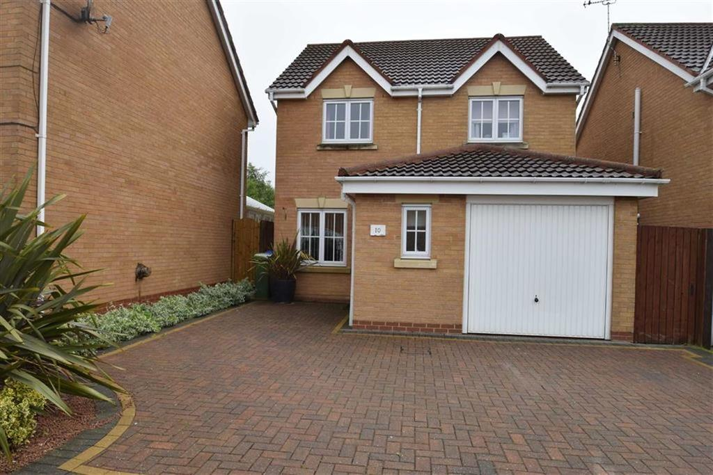 3 Bedrooms Detached House for sale in Derwent Gardens, Bridlington, East Yorkshire, YO16