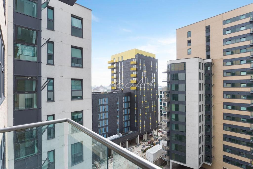 2 Bedrooms Flat for sale in 41 Millharbour, Canary Wharf, E14