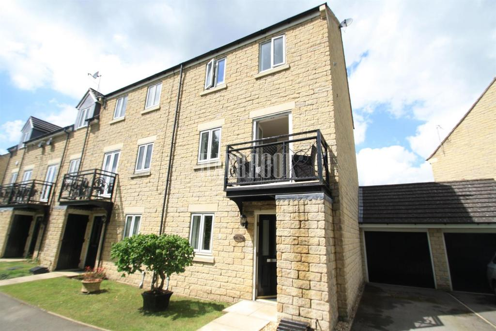 4 Bedrooms Semi Detached House for sale in Forge Lane, Oughtibridge