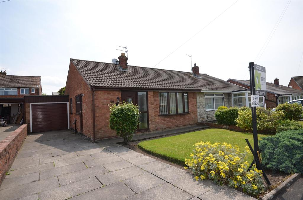 2 Bedrooms Semi Detached Bungalow for sale in Duxbury Close, Rainford