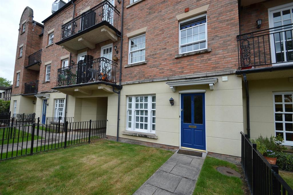 1 Bedroom Apartment Flat for sale in 47 Belgravia Court, Abbey Foregate, Shrewsbury, SY2 6BW